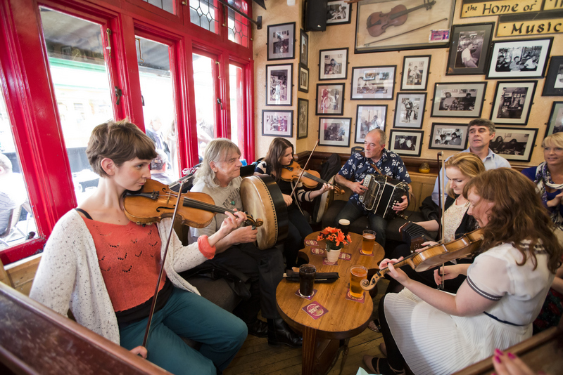 Traditional Irish Music Session at Tig Cóilí, Galway