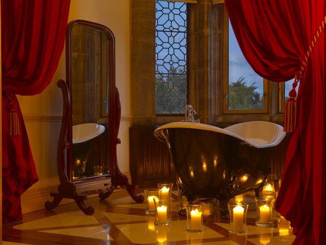Castles-in-ireland-to-Stay-In-Adare-Manor-Dunraven-Stateroom-Bathroom